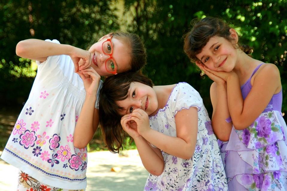 girls-946287_960_720