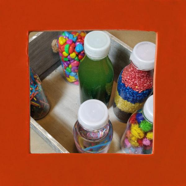 Botellas sensoriales: cómo hacerlas y beneficios