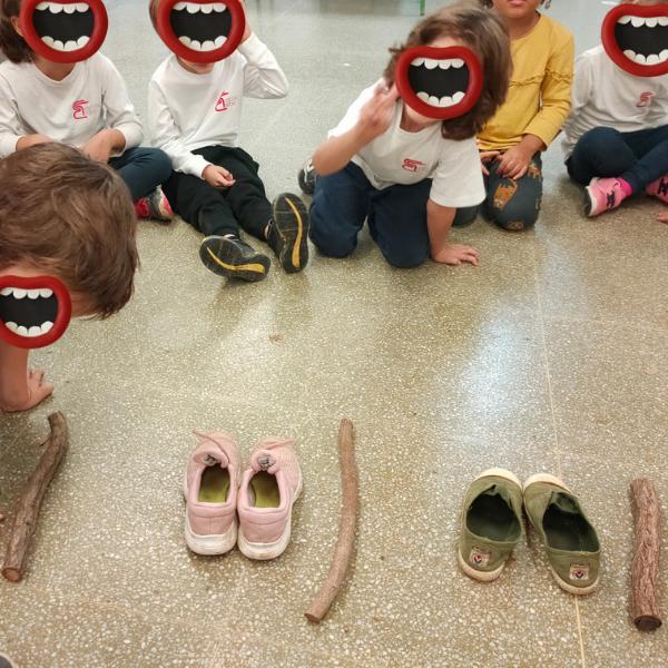 A ritmo de palos y zapatos